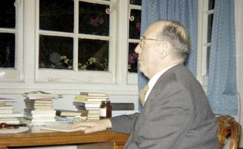 An analysis of We have no right to happiness by C.S. Lewis